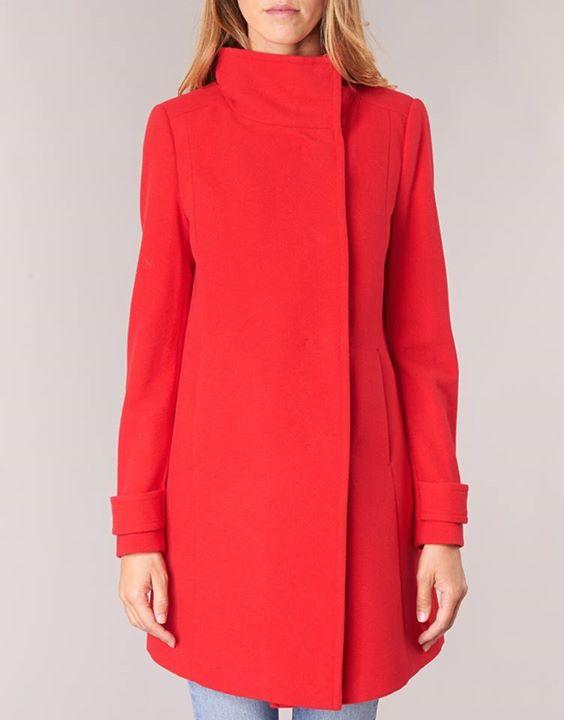 Μου ζητάτε κόκκινο παλτό!