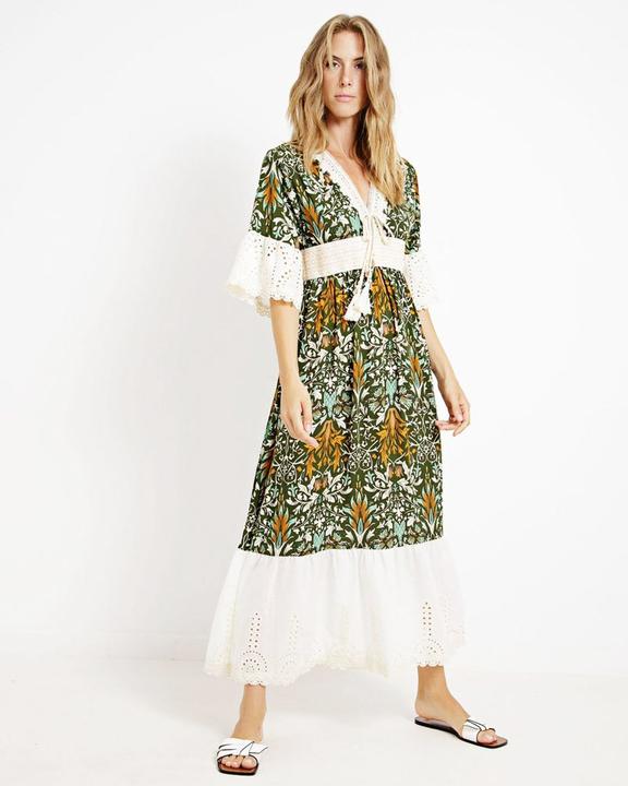 Φόρεμα σε συνδυασμό υφασμάτων!